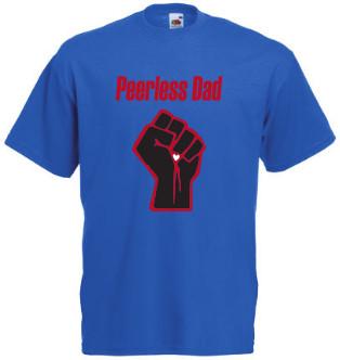 afbeelding blauw Tshirt Peerless Dad met rode tekst